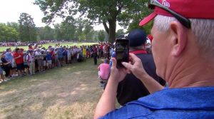 Is Cell Phones at Tournaments a bad decision by the PGA Tour.