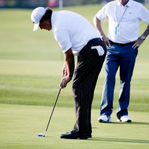 Would you change your putting grip mid-round in a Major?